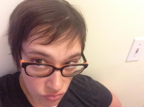 Après un mois sans shampoing, mes cheveux ont-ils l'air sales? Pas vraiment. Mais ont-ils l'air propres?...